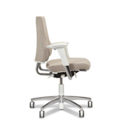 Axia 2.3 ergonomic office chair
